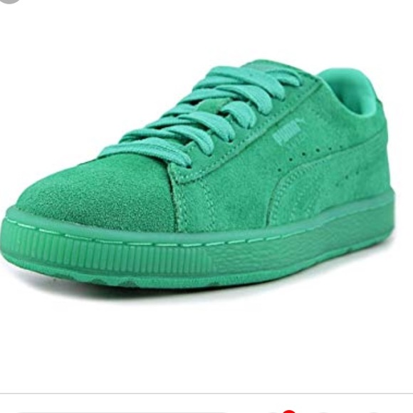 buy online f7d9b 9171a Puma Green Suede Sneakers